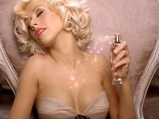 Кристина Агилера засне скандалено видео за рекламата на своя нов парфюм Royal Desire